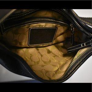 Coach Bags - Classic Leather Coach Shoulder Bag